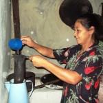 Josefina beim Kaffee Aufguss